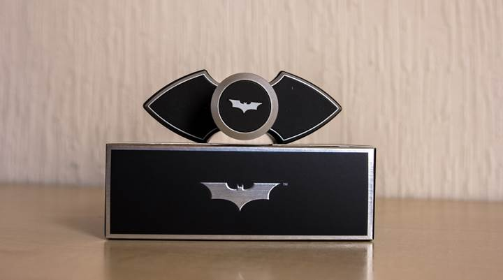 Batman Begins – The new dark fragrance for men_004