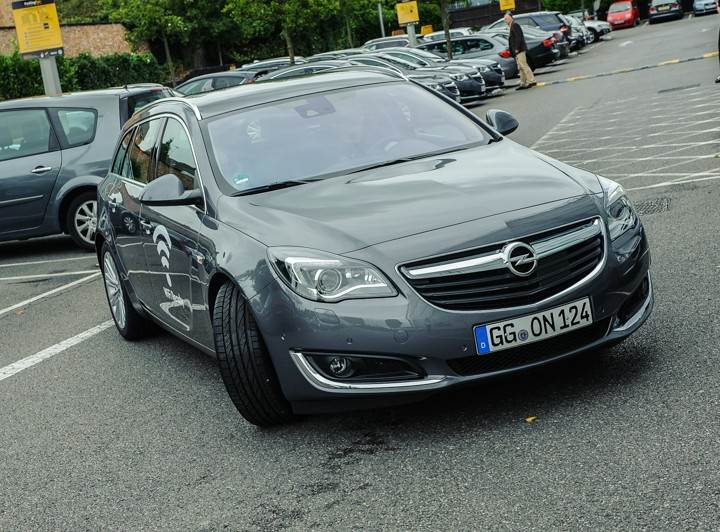 Opel_OnStar_Connected_Car_017