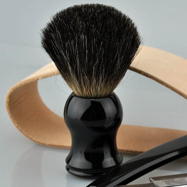 rasiermesser-set-blutiger-anfaenger-golddachs-blackbeards-rasierpinsel