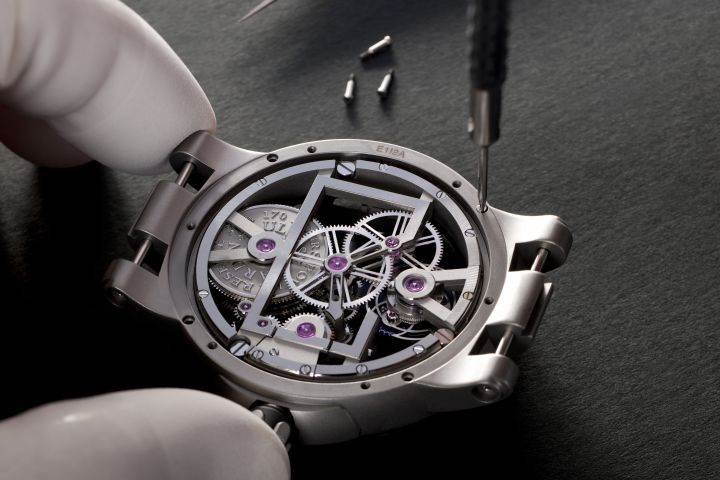 __Executive Skeleton_Tourbillon__