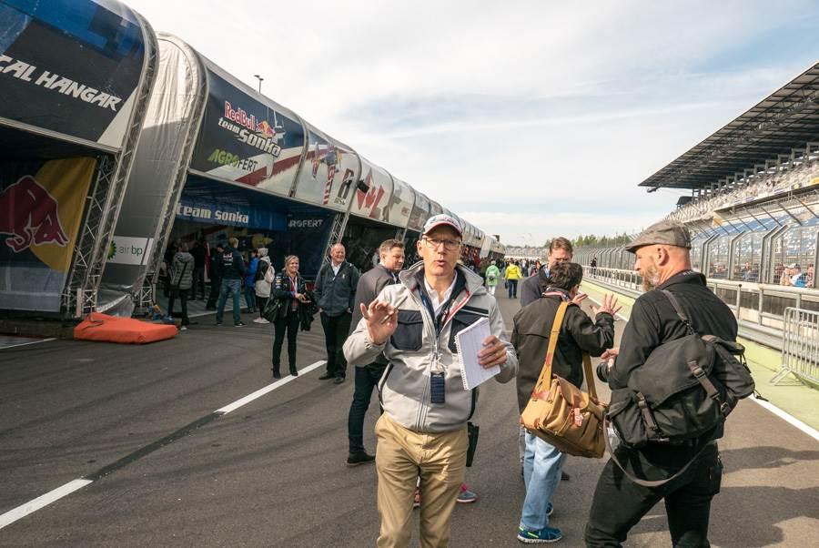 Red Bull Kühlschrank Case : Abheben mit hamilton beim red bull air race am lausitzring