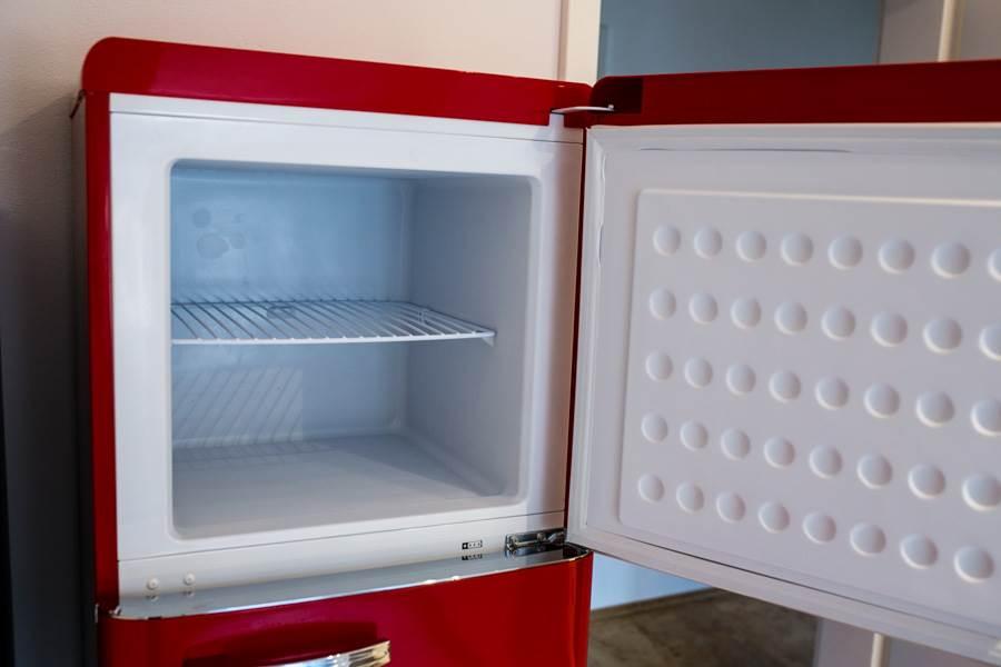 Kühlschrank Gefrierschrank Kombination : Darf ich vorstellen: unsere neuen mitbewohner von klarstein männer